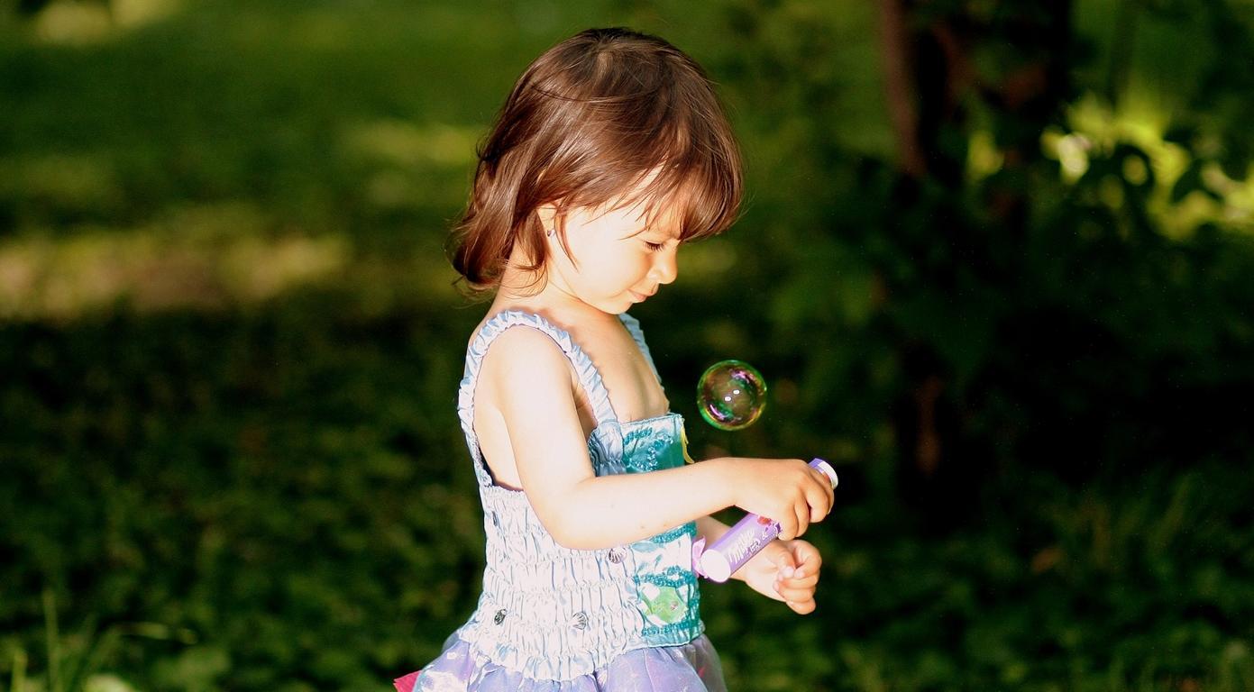 Mit Familienaufstellung Und Selbstheilung Des Inneren Kindes Zu Mehr Leichtigkeit Und Lebensfreude In Beziehungen.