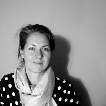 Anne Kathrin Frihs gibt in ihrer Ausbildung Ihr Wissen weiter.